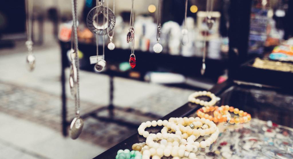 Jewellery Industry Statistics - Jewellery Store